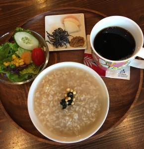 Megumi Ehira / Owner of Shima Café La♡Monstera
