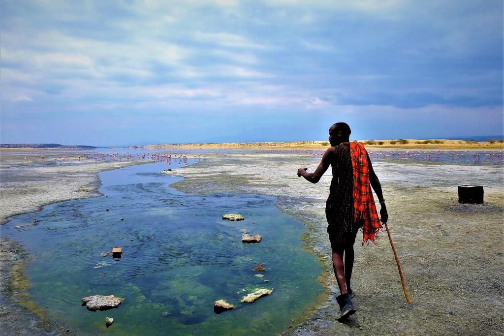 温泉案内人のマサイ族